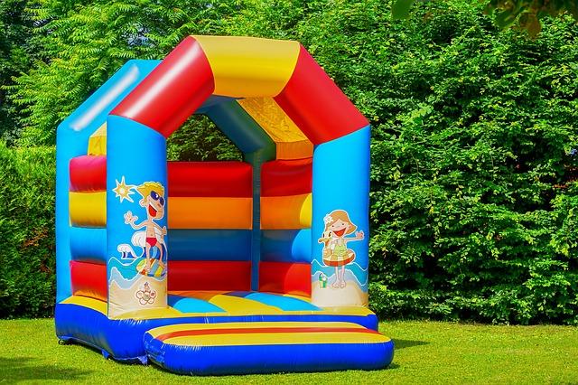 bouncy-castle-3466291_640